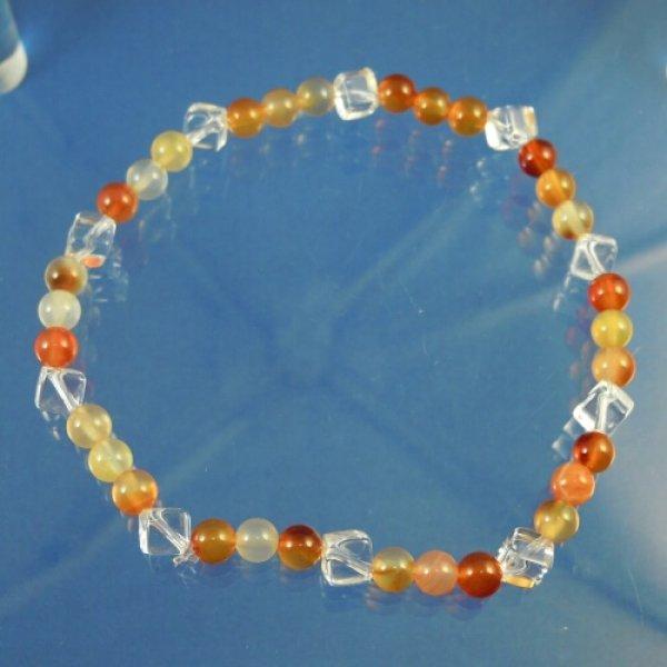 画像1: オレンジカルセドニーと水晶スクエアカットのパワーストーンブレスレット 明るく楽しいエネルギーを届ける (1)